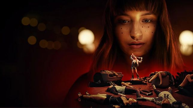 """Julia Wieniawa w filmie """"Wszyscy moi przyjaciele nie żyją"""""""