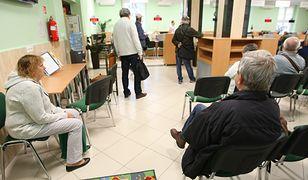 ZUS wydał już 400 tys. wniosków emerytalnych wynikających z obniżonego wieku emerytalnego.
