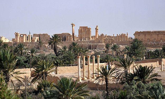 Dżihadyści zaminowali starożytną Palmirę. Zniszczą drogocenne zabytki?