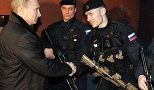 Władimir Putin i funkcjonariusze FSB