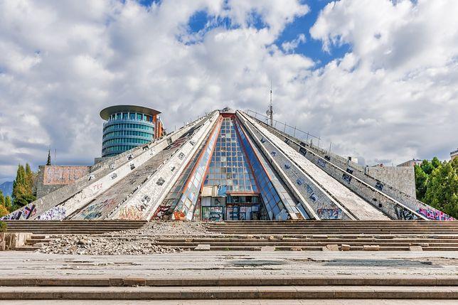 Piramida w Tiranie, Albania