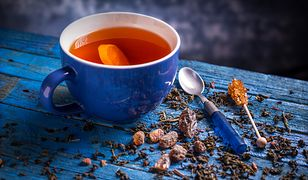 Znajdź herbatę dla siebie. Gorący napar pomoże na uciążliwe dolegliwości