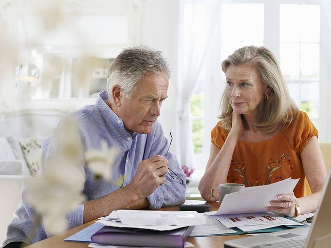 Świadczenia emerytalne nie należą do wygórowanych, dlatego zaległości emerytów rosną w najszybszym tempie