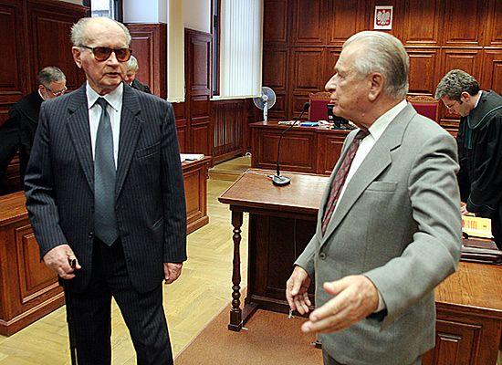 Jaruzelski i Kiszczak stracą specjalne emerytury