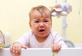 Dlaczego dzieci zgrzytają zębami? Dowiedz się, jak z walczyć przyczynami