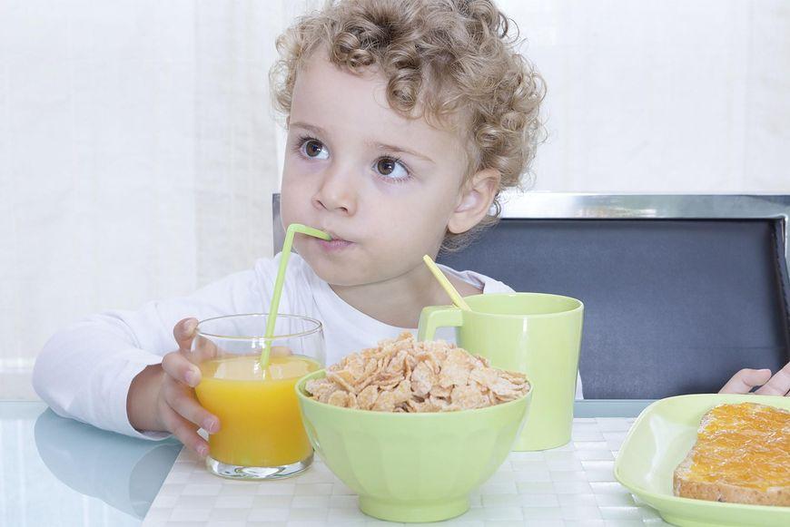 W płatkach śniadaniowych również znajdziemy sól