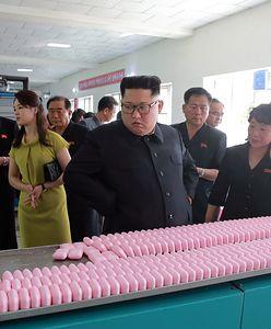 Żona Kim Dzong Una dyktatorką mody. Do tej pory takie stroje były w Korei zakazane prawem