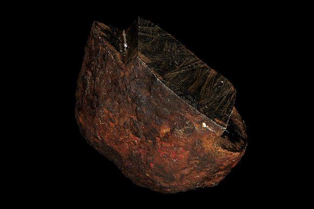 Naukowcy odkryli w meteorycie minerał niewystępujący naturalnie na Ziemi.