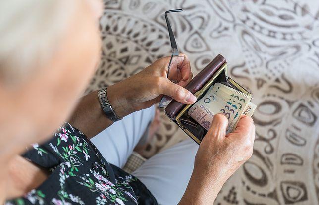 Seniorzy mogą liczyć na zastrzyk gotówki