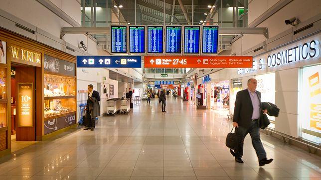 Lotnisko Chopina w Warszawie. Tu wpadły przemytniczki