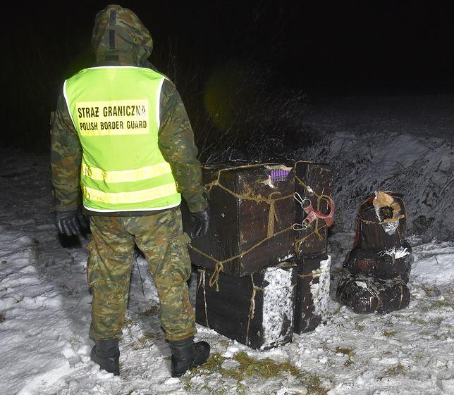 Straż graniczna udaremnił przemyt bursztynu i papierosów przez granicę z Ukrainą