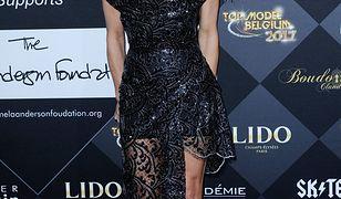Pamela Anderson znów pochwaliła się biustem