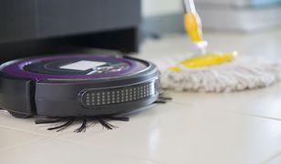 Nie tylko odkurzają, ale i zmywają podłogi. Roboty sprzątające tańsze niż myślisz