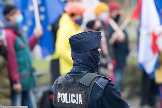 Sylwester 2020 - czy na ulicach będą tylko policjanci? (fot. EN)