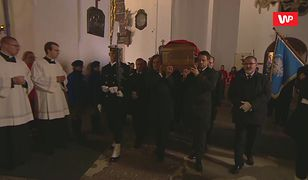 Trumna z ciałem prezydenta Adamowicza w Bazylice Mariackiej