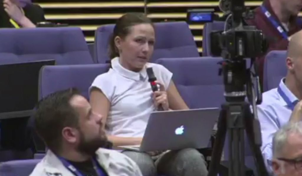 a349467da18ec Podczas konferencji prasowej rzecznika Komisji Europejskiej Alexandra  Wintersteina doszło do spięcia z polskimi dziennikarzami.