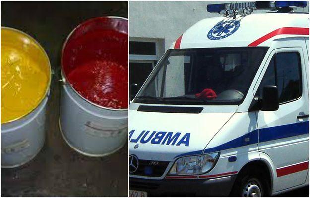 Sanitariusze ratowali życie pacjentki, a w tym czasie dwóch mężczyzn zniszczyło karetkę