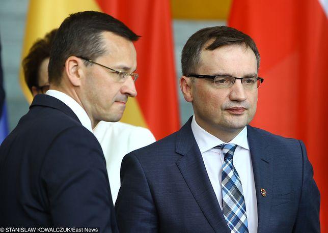 Sowite nagrody w ministerstwach. Hojny Morawiecki i oszczędny Ziobro