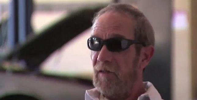 Stracił wzrok i wciąż naprawia samochody