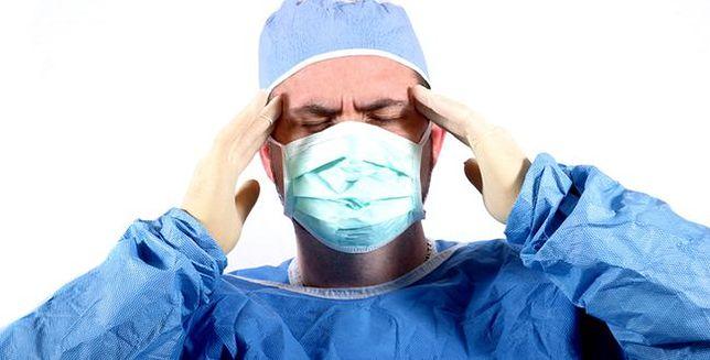 Ten lekarz odczuwa ból swoich pacjentów. I to dosłownie
