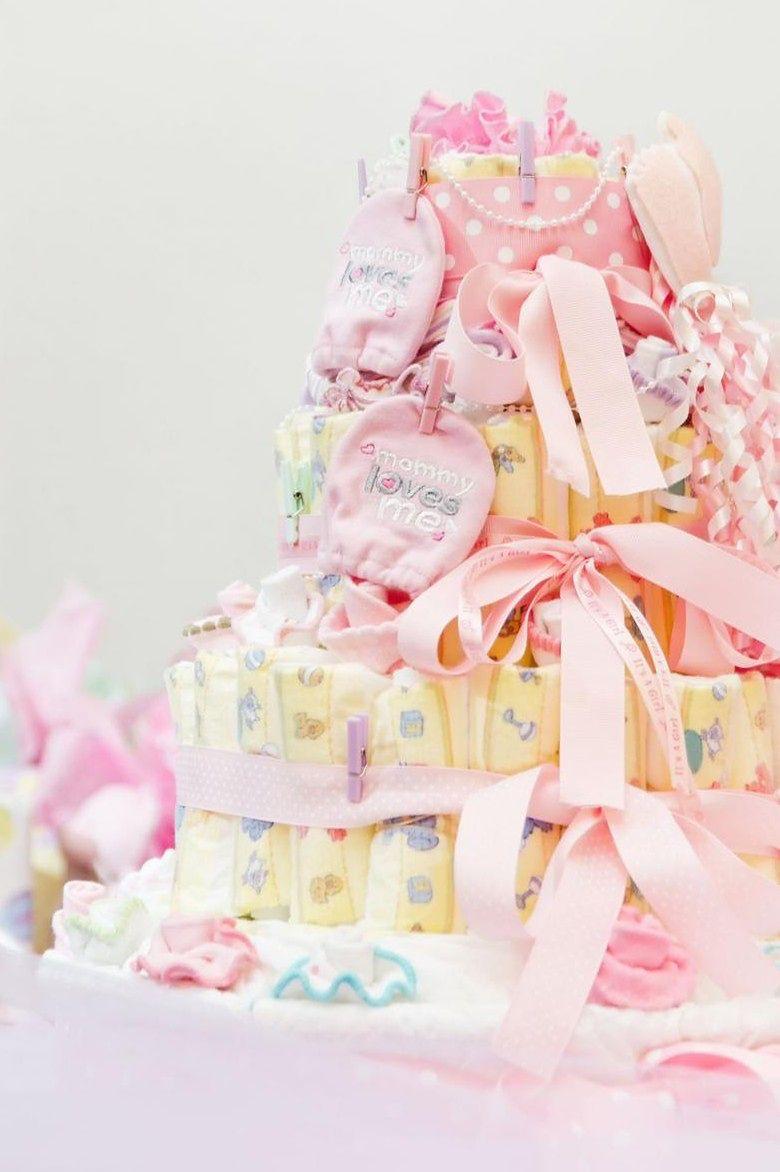 tort z pampersów można podarować na wiele okazji