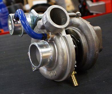Biturbo, twin turbo, twin scroll turbo - czym się różnią turbiny w samochodach?