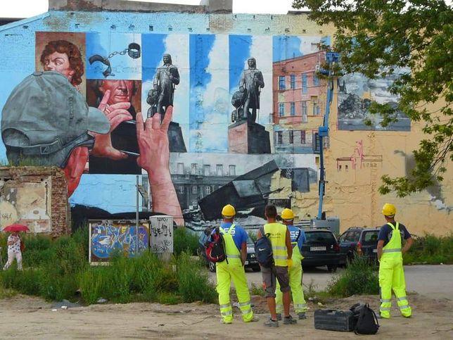 Wielkoformatowe obrazy w Polskich miastach