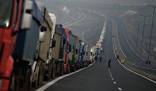 Kolejka na przejściu granicznym między Bułgarią a Grecją