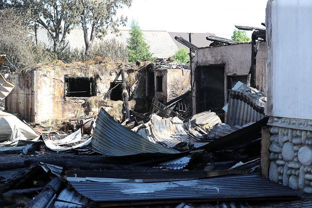 Pożar w Nowej Białej rozprzestrzeniał się bardzo szybko - informowała straż pożarna