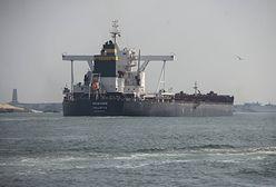 """Egipt. Po kilku dniach rozładowano """"korek"""" statków przed Kanałem Sueskim"""
