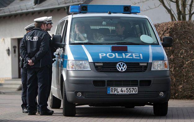 Policja przed domem Lubitza w Montabaur