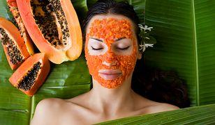 Podstawą zadbanej skóry jest regularne oczyszczanie, złuszczanie i nawilżanie