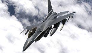 Autonomiczny F-16 sam odnalazł cel i przeprowadził atak