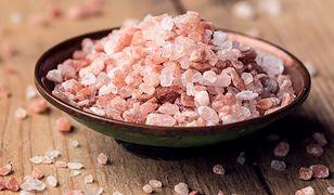 Zapomnij o soli himalajskiej. Jej cenne właściwości to mit