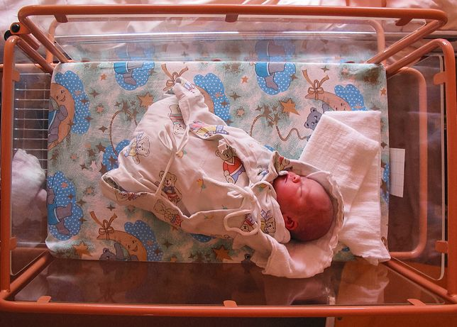 Śląskie. W obecnej sytuacji epidemiologicznej szpital miejski w Bielsku-Białej nie wyraził zgody na powrót do porodów rodzinnych.