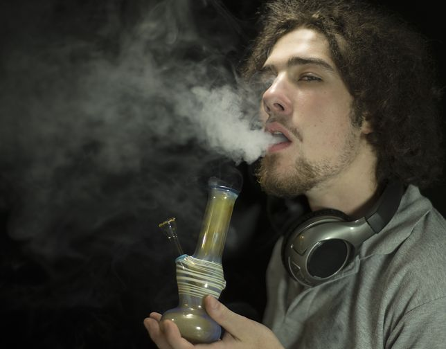 Młodzi bezrobotni będą musieli przejść test na narkotyki