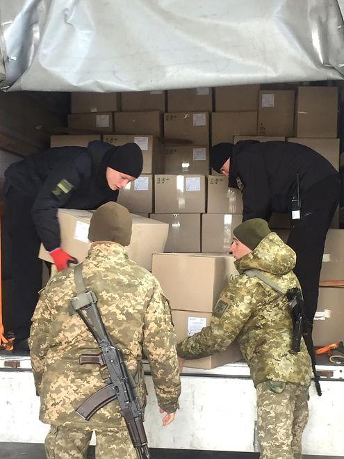 Koronawirus. Ukraina. Próba przemytu 50 tys. maseczek ochronnych do Polski