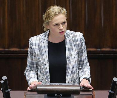 Barbara Nowacka spryskana gazem. Posłanka reaguje na decyzję prokuratury