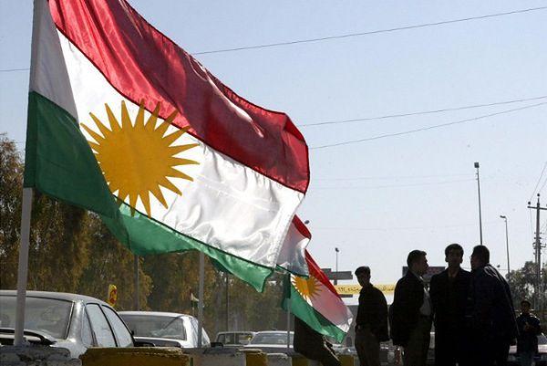Kurdyjskie flagi na północy Iraku