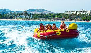 Ciepłe morze to raj dla dzieci podczas rodzinnych wakacji w Tunezji