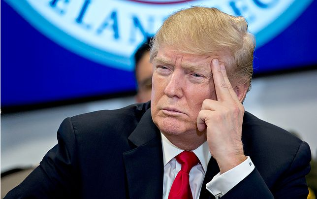 Trump w emocjach każe atakować Syrię, wtedy współpracownicy tłumaczą mu złożoność sytuacji