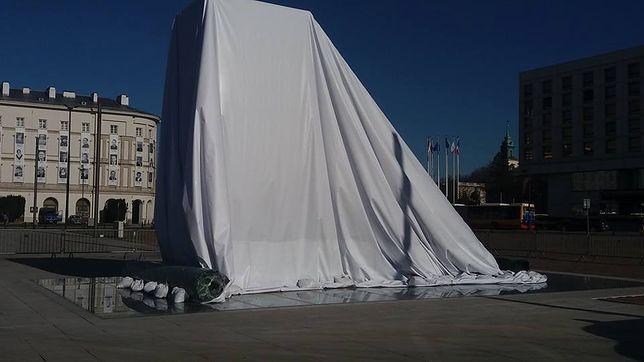 Pomnik zostanie odsłonięty podczas obchodów ósmej rocznicy katastrofy smoleńskiej