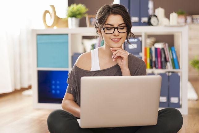 Laptopy i komputery stacjonarne w niskich cenach