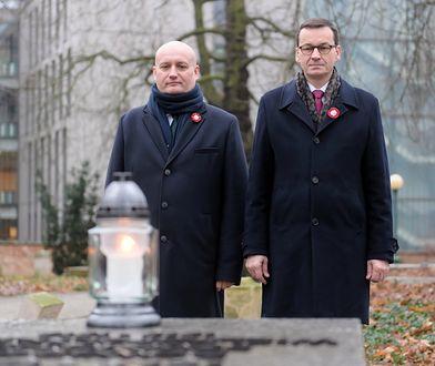 Premier przy grobie gen. Stanisława Taczaka