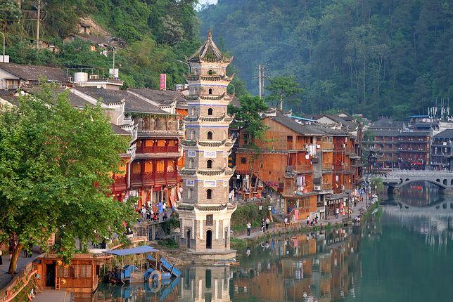 Antyczne miasto Phoenix w Chinach może być jednym z miejsc docelowych w podróży dookoła świata Tour Radar