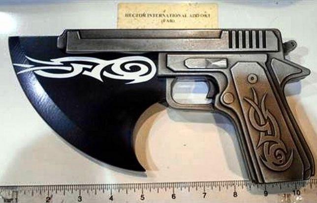 Raport TSA pokazuje, że w 2017 r. skonfiskowano przytłaczającą liczbę noży oraz broni.