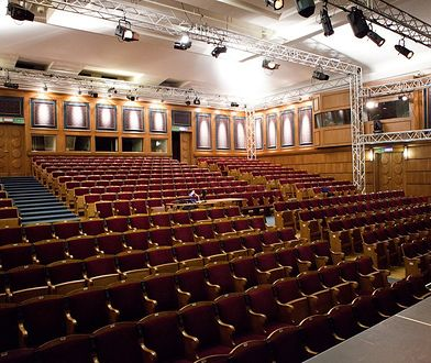"""Teatr 6.piętro zaprasza na spektakl - """"NIEZWYCIĘŻONY"""""""