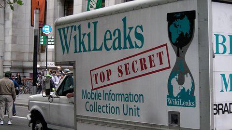Facebook przyznaje, że zablokował treści z WikiLeaks, bo... mógł to zrobić