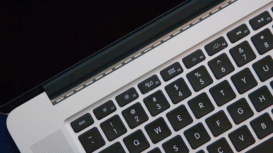 MacBook Pro 2016 z drugim, dotykowym ekranem i TouchID
