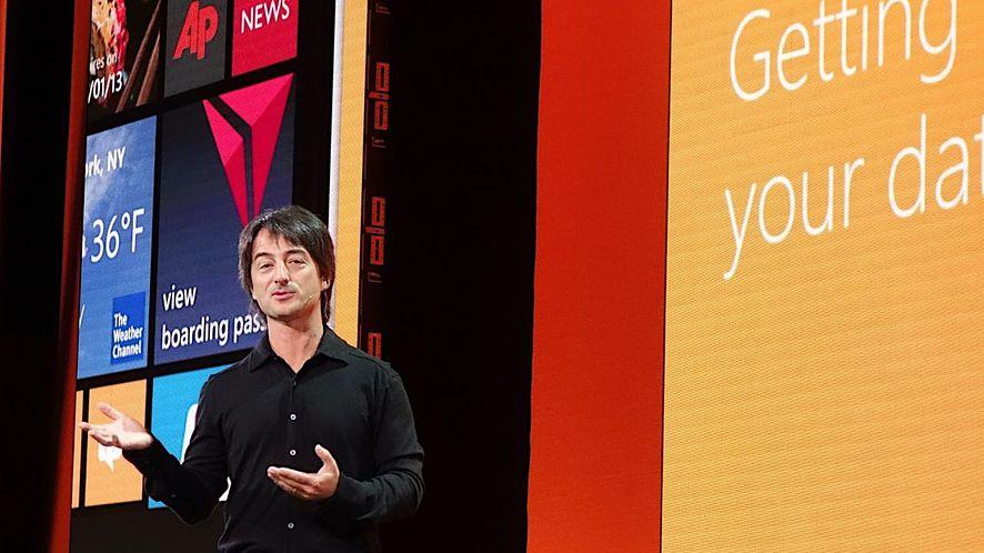 Joe Belfiore, wiceprezes działu mobilnego Windowsa, też korzysta z iPhone'a